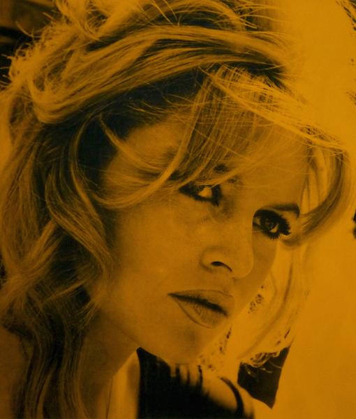 Bridget Bardot-St.Tropez Orange-510 x 600